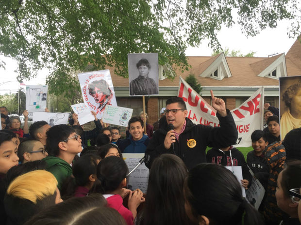 Ald. Carlos Ramirez-Rosa (35th) led a street sign ceremony Monday morning honoring labor organizer Lucy Gonzalez Parsons.