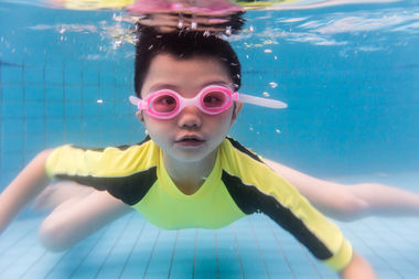 Foss Swim School is offering a free water safety class Saturday.