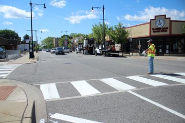 Crews this week began painting parking boundaries and shared bike lanes in the 4700 block of North Milwaukee Avenue.