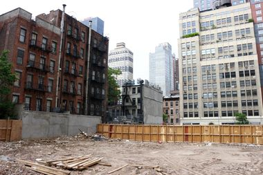 The site of the planned 20-story hotel at 351 W. 38th St.