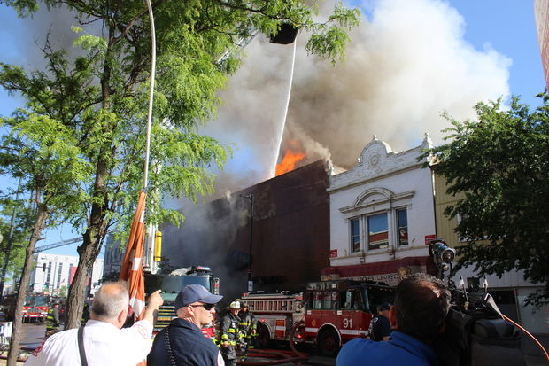 Fire at Famsa Furniture store in Logan Square.