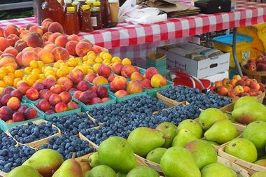 The weekly Ravenswood Farmers Market gets underway from 4-8 p.m. Wednesday.