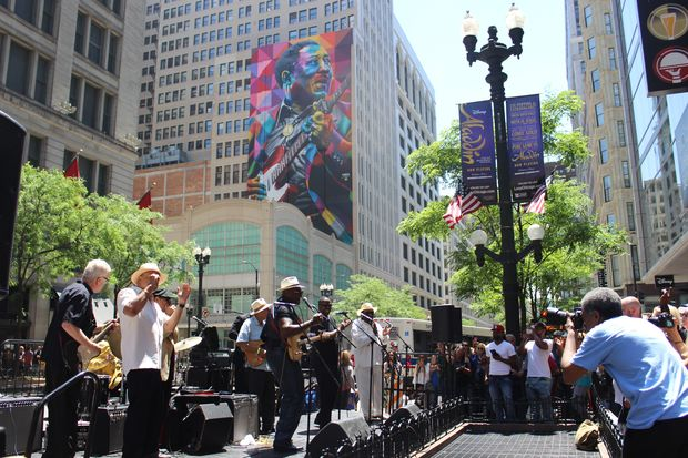 City officials dedicated a 100-foot-tall of legendary Chicago bluesman Muddy Waters on Thursday, ushering in the start of this weekend's Chicago Blues Festival.