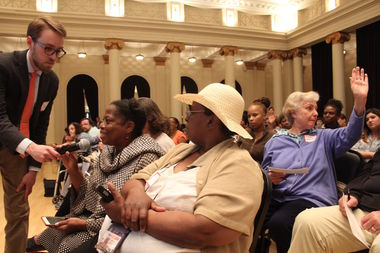 Nearly 600 people showed up to a meeting about changes coming to Jackson Park, but found decisions about road closures likely now can't be changed.