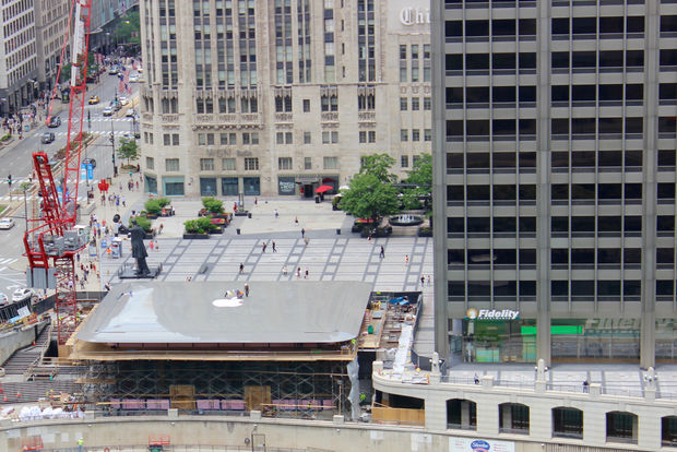 Apple's new Chicago store has a giant MacBook on top