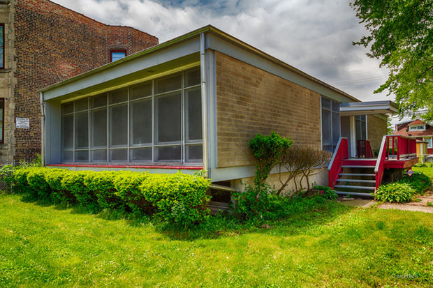 The E.J. Ingram house is one of the few examples of architect Roger Margerum's work in Chicago.