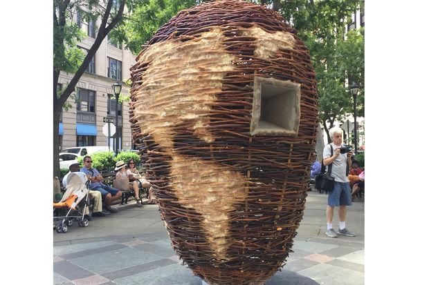 Leonard Usachi's sculpture,