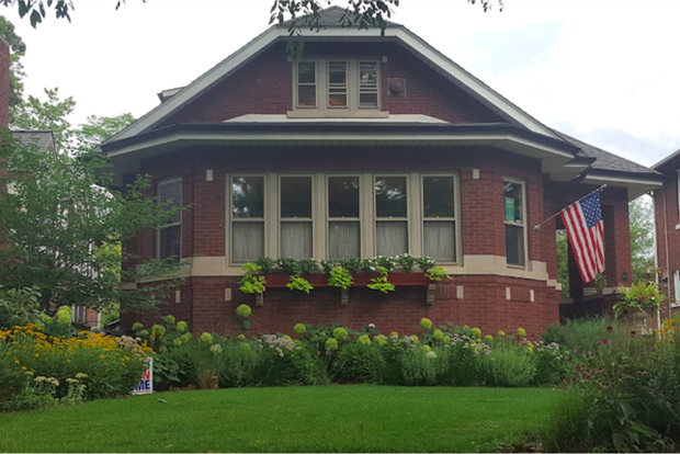 Who Has The Best Bungalow Garden In Chicago? Here\'s How To Vote ...
