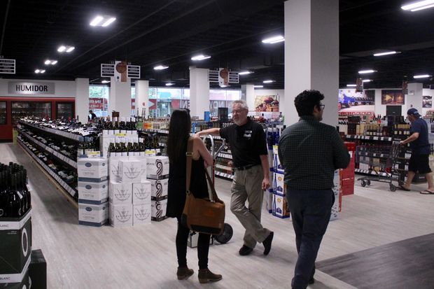 Binny's opened on Saturday at 4901 W. Irving Park Road, in the Six Corners Shopping District.