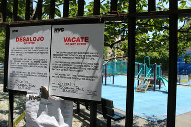The city has barred tykes from playing in Boerum Park, fearing an adjacent building could collapse onto the playground.