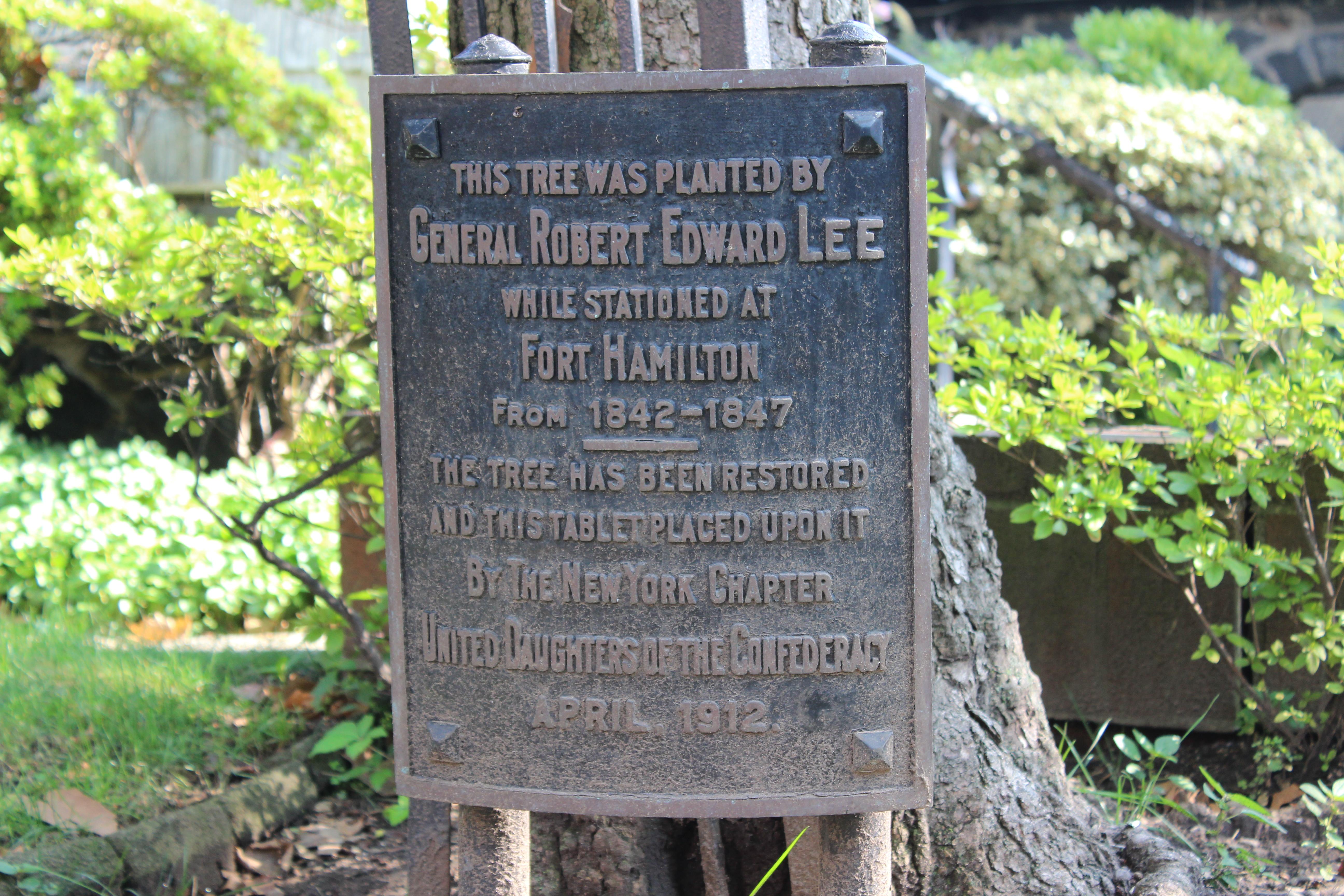 Robert E. Lee Memorial removed
