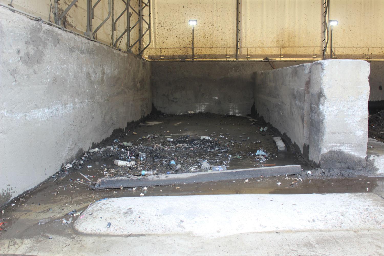 Sludge pit