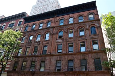Rent An Apartment For 714 Per Month In A Hell S Kitchen