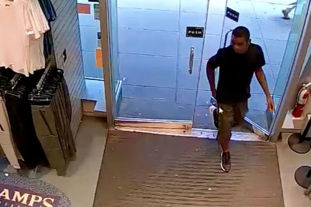 Police are looking for a suspect who they said tussled with a 69-year-old man on a Forest Hills subway station before fleeing with his wallet last month.