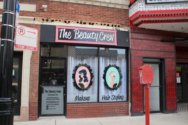 The salon, which specializes in eyebrow micro-blading, opened on Friday at 4048 N. Milwaukee Ave.