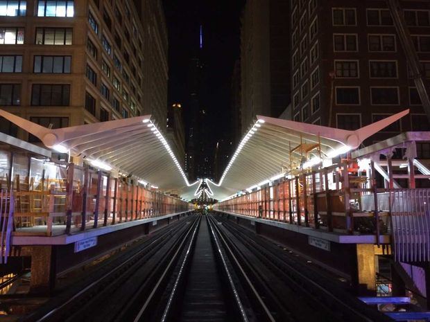 The new station lights up at night. [City of Chicago] & Futuristic Washington-Wabash u0027Lu0027 Station Opens: u0027This Is The Gold ... azcodes.com