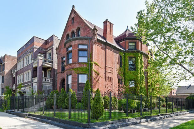 Welcome Inn Manor owner Mell Monroe is selling the historic mansion where he's run a bed and breakfast in Bronzeville for the past five years.