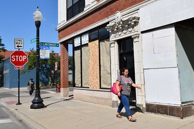 The north side of Devon from Broadway to Greenview will see its ban on the sale of pre-packaged liquor goods reinstated, though bars or restaurants that serve booze could open in the future.