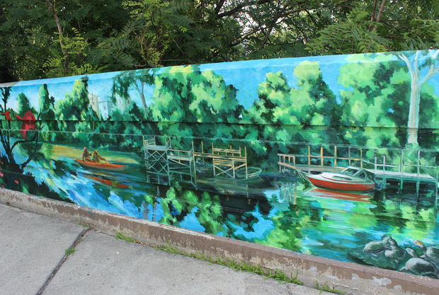 Wilson Bridge and Lawrence Avenue Murals share a common theme: the Chicago River