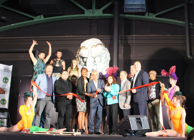 Mayor Rahm Emanuel cuts the ribbon for the gala reopening of Theater on the Lake.