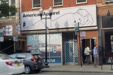 A Burton shop will replace American Apparel.
