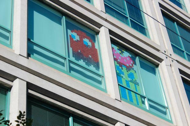 Two Chicago developers are waging a Post-it note window war in River North, and so far, they're sticking to it.