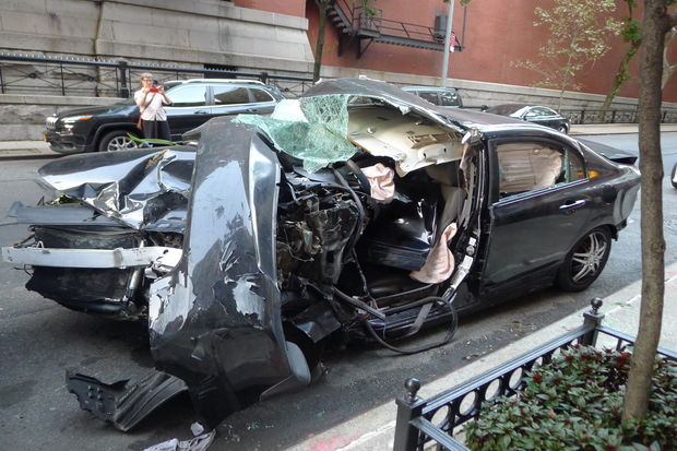 police using ues block as a 39 junkyard 39 for totaled cars neighbors say upper east side new. Black Bedroom Furniture Sets. Home Design Ideas