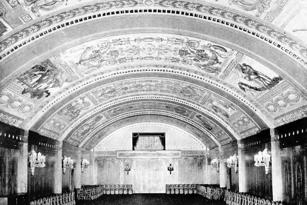 The Florentine banquet hall at the Congress Plaza Hotel in 1913. The hotel is said to be haunted.
